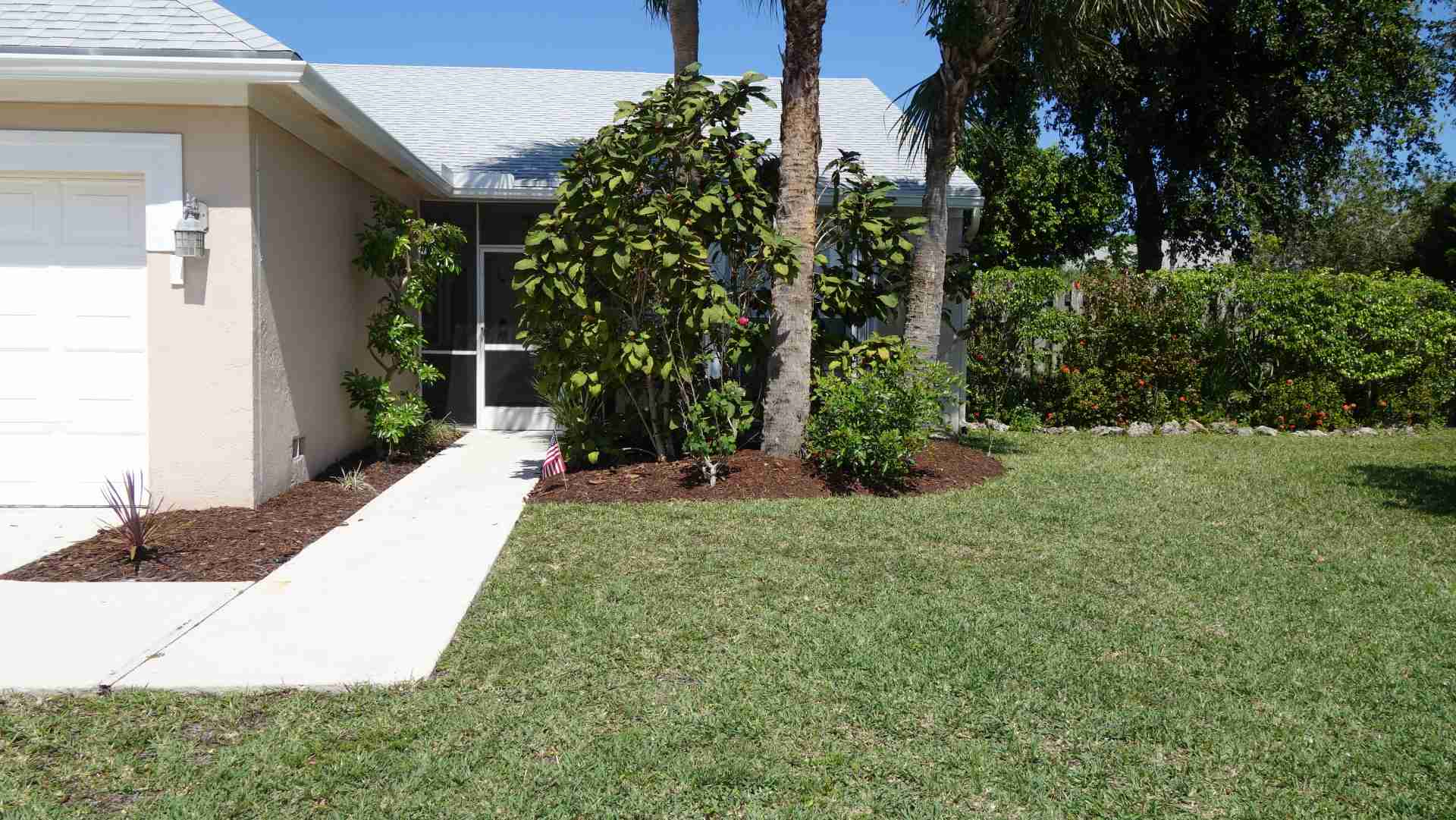 How Can You Improve Your Front Yard Landscaping?
